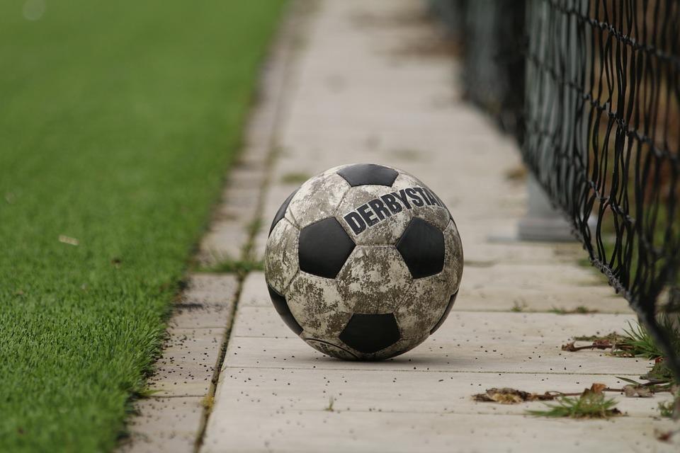 Wie reagiert Deutschland auf den neuen Bundesligaball von Derbystar?